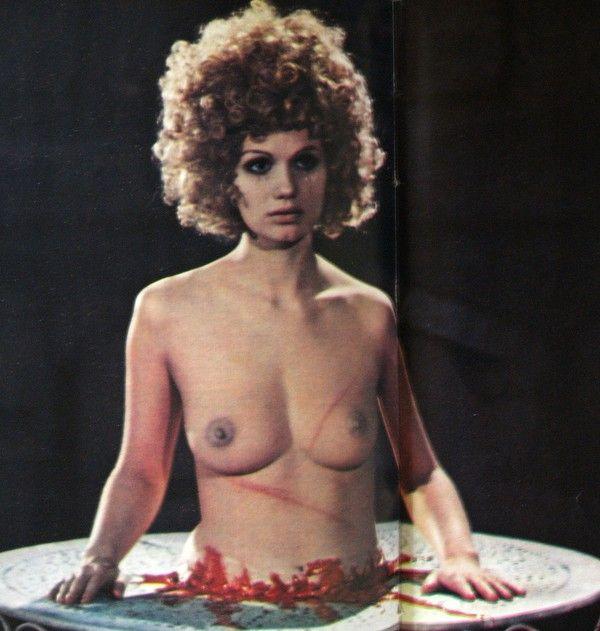 Miou-Miou topless... (1974)
