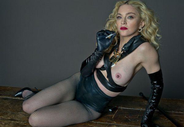Madonna montre ses seins (2014)